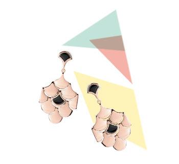 > Boucles d'oreilles dorées roses acrylique